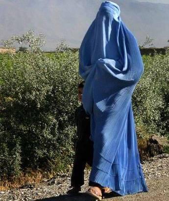 Afghanistan-woman-burga